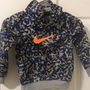 Nike hoodie Therma fit size 4t
